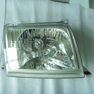 D22 HEAD LAMP CRYSTAL